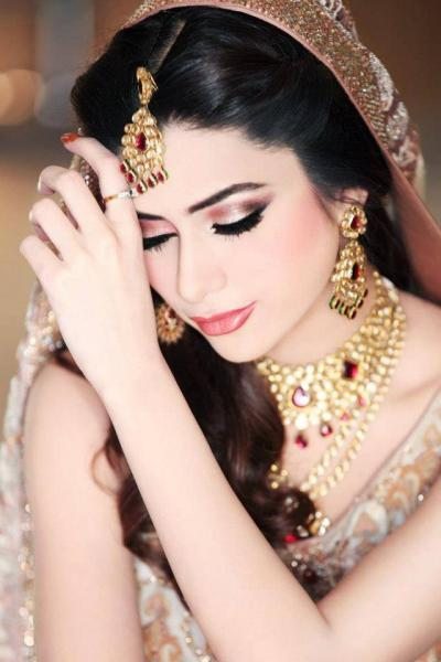 Newlook Beauty Salon-Lahore
