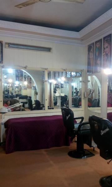 Alliys Beauty Saloon-Karachi