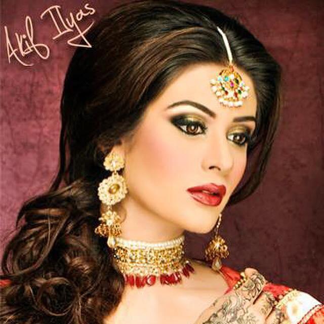 Akif ilyas beauty salon browse the best bridal makeup in for Mona j salon karachi